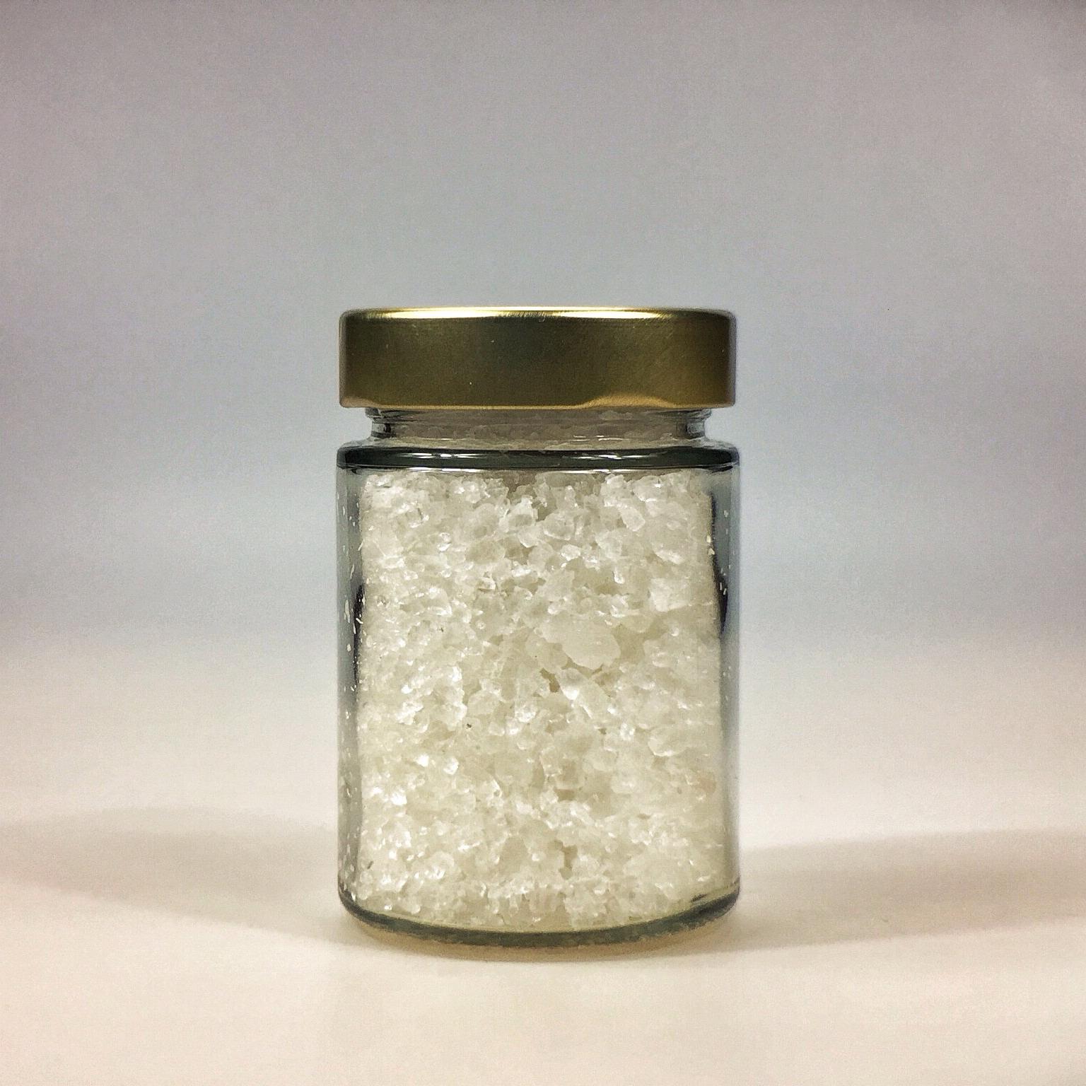 Halit Salz grob gemahlen für Salzmühle im kleinen Glas mit Golddeckel