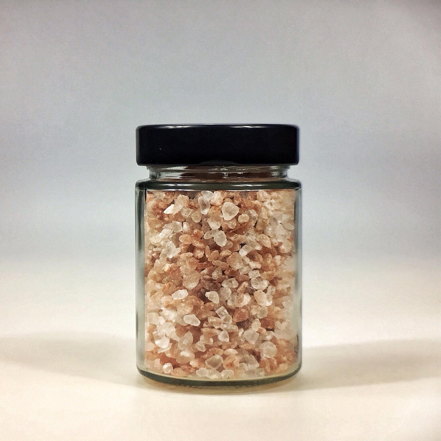 Himalaya Salz grob gemahlen für Salzmühle im kleinen Glas mit schwarzem Deckel