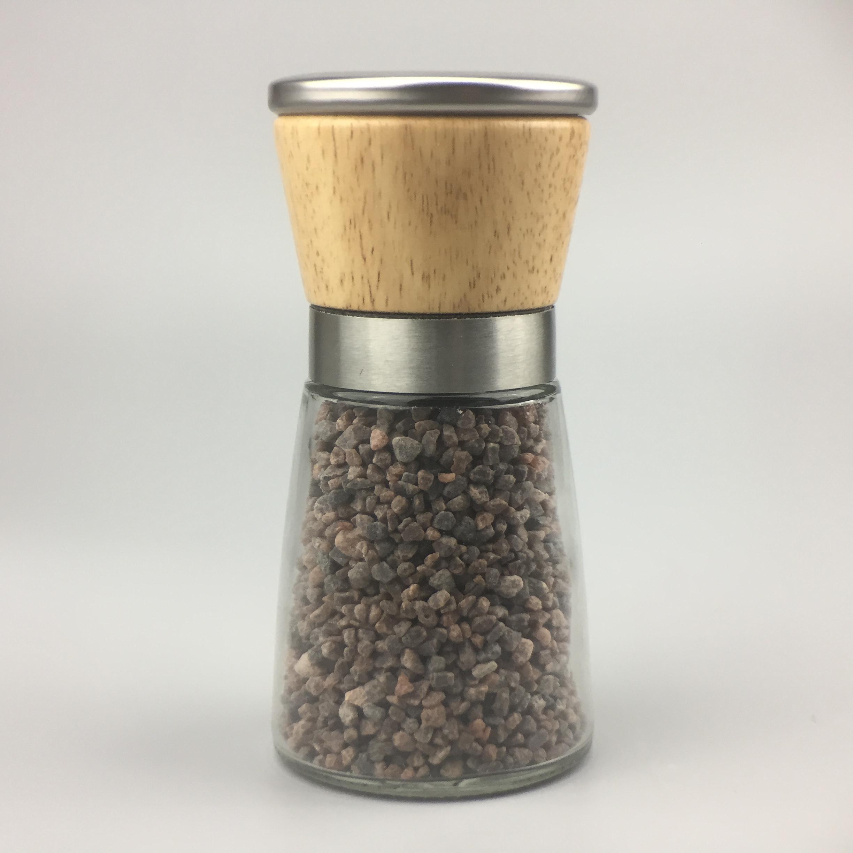Salzm%C3%BChle mit Keramik-Mahlwerk gef%C3%BCllt mit Kala Namak Salz
